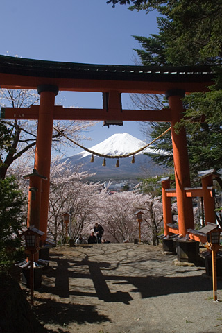 2013年4月8日の富士山写真